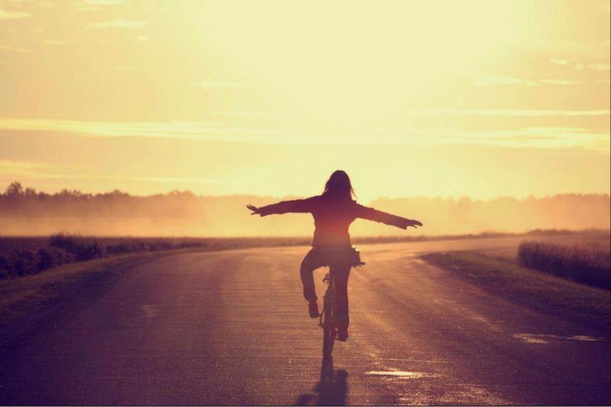 captura-andando-sin-manos-en-bici